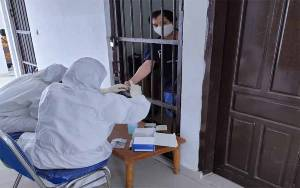 Sebelum Dipindah ke Lapas, Kejaksaan Negeri Kobar Lakukan Rapid Test Tahanan