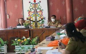 Pansus DPRD Palangka Raya Rapat Pembahasan Raperda BUMD
