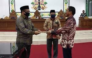 Anggota DPRD Sukamara ini Bersyukur Pada New Normal Salat Berjemaah di Masjid Diperbolehkan dengan Memperhatikan Protokol Kesehatan