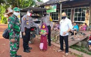 Peduli Pendidikan, Perpustakaan Keliling Polsek Cempaga Sasar Anak di Pedesaan