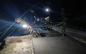 Jembatan Jalur Sampit - Seruyan di Desa Sei Ijum Raya Ambruk