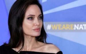 Dokter Bocorkan Perawatan Kulit Angelina Jolie, Wajib Tabir Surya
