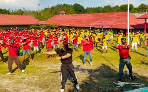 Kakanwil Kemenkumham Kalteng Senam Bersama Warga Binaan Rutan Tamiang Layang