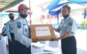 WBP Lapas Kelas III Sukamara Terima Bantuan Susu dan Peralatan Mandi