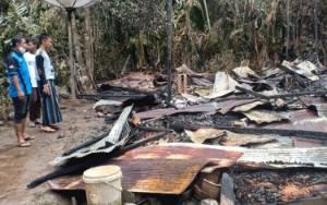Rumah Ditinggali Nenek 70 Tahun ini Hangus Terbakar