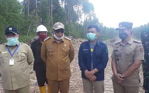 Wakil Bupati Kobar Apresiasi PT Korintiga Hutani yang Relakan Tanaman Produktif untuk Pembangunan Jalan Penghubung