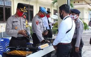Polres Sukamara Pemeriksa Senjata Api Jaga Kewaspadaan Penyimpangan