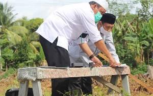 Kemenag Kapuas Berikan Pelayanan Pengukuran Arah Kiblat Masjid di Desa Sei Lunuk