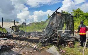Bayi dan Anak 10 Tahun Nyaris Terpanggang di Rumah Terbakar