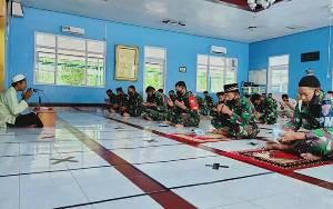Personel TNI AU Iskandar Melaksanakan Doa Bersama Agar Corona Cepat Berlalu