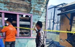 Kerugian Kebakaran 3 Rumah di Jalan Irian Palangka Raya Capai Ratusan Juta