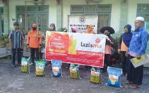LAZISMU Lamandau Salurkan Bantuan Beras untuk Janda, Dhuafa, dan Anak Yatim Terdampak Covid-19