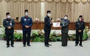 Bupati Barito Utara Sampaikan Pidato Pengantar Raperda Pertanggungjawaban Pelaksanaan APBD 2019