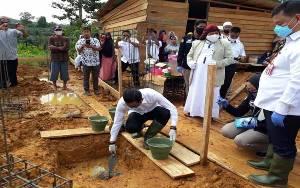 Bupati Kotim Lakukan Peletakan Batu Pertama Pembangunan Ponpes Al Asyhar di Desa Rantau Katang
