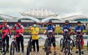Kapolda Kalteng Bersama Gubernur Kalteng Bersepeda Bersama Tingkatkan Sinergitas
