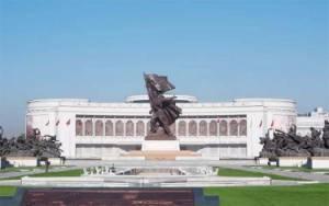 2 Museum Ini Punya Perspektif Beda Tentang Satu Perang yang Sama