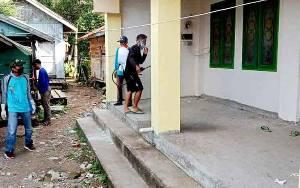 Pemerintah Desa Lemo II Semprotkan Cairan Disinfektan ke Fasilitas Umum