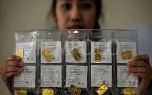 Harga Emas Antam Turun Rp 10.000 jadi Rp 1.055.000 per Gram