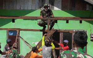 Kodim 1016 Palangka Raya Laksanakan Karya Bhakti Renovasi Rumah Anak Yatim Piatu
