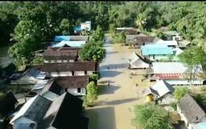 Sungai Menthobi Meluap, Desa Lubuk Hiju Terkena Banjir