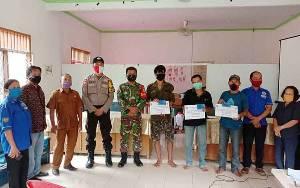 58 KK Warga Desa Pulau Padang Terima BLT DD Tahap II