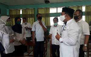 Wakil Bupati Kobar: Pengadaan Batik Khas Kobar Jangan Bebankan Wali Murid