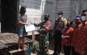 30 Kepala Keluarga di Desa Teluk Kanduri Terima BLT DD Tahap II