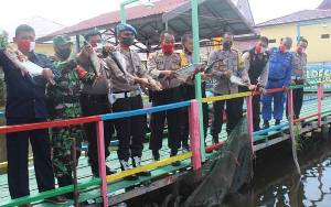 Polres Seruyan Bersama TNI Ikuti Kegiatan Aplikasi Program Ketahanan Pangan Nasional