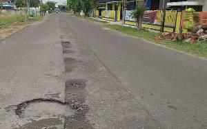 Legislator Minta Pemkab Seruyan Lakukan Perbaikan Jalan Dalam Kota