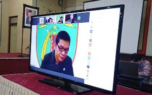 Bupati Barito Timur Tanggapi Pemandangan Umum Fraksi DPRD atas Raperda Pertanggungjawaban APBD 2019
