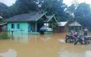Banjir Landa Sejumlah Permukiman di Kecamatan Suling Tambun