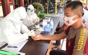 60 Personel Ditsamapta Polda Kalteng Ikuti Rapid Tes