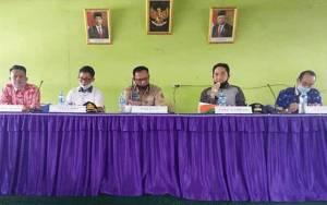 Wakil Bupati Katingan Kunjungan Kerja ke Desa Telaga Bahas Singkronisasi Warga Penerima Bansos