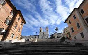 Jalanan Kota Roma Masih Sepi, Bukti Pariwisata dalam Krisis