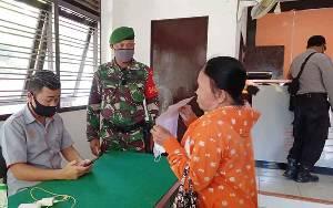 Ditsamapta Polda Kalteng Salurkan Sembako Bantuan Presiden