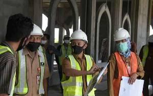 Wali Kota Palangka Raya Tinjau Pembangunan Masjid Kubah Kecubung