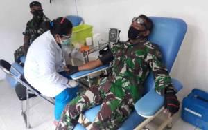 Pabung Gunung Mas Bersama Danramil Kurun Lakukan Donor Darah Peringati HUT ke 62 Kodam XII/Tanjungpura
