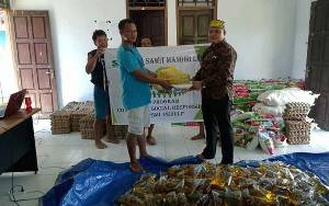 Bupati Lamandau Apresiasi PT SML yang Sebar Paket Sembako untuk Korban Banjir