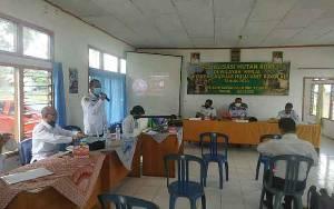 UPT KPHP Kapuas Hulu Sosialisasikan Hutan Adat di Kecamatan Timpah