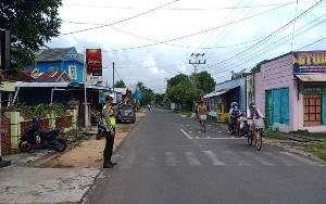 Polisi Lakukan Pengaturan Lalu lintas di Jalur Rawan Kemacetan
