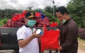 Gubernur Kalteng Salurkan 300 Paket Sembako untuk Korban banjir di Lamandau