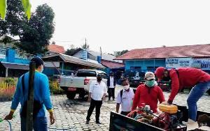Pemerintah Desa dan Kelurahan di Kecamatan Teweh Tengah Serentak Lakukan Penyemprotan Disinfektan Selama 2 Hari
