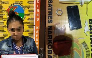 Satresnarkoba Polres Kapuas Amankan Wanita Muda Ini karena Miliki Sabu