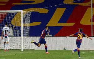Pirlo Tak Lanjutkan Proses Transfer Suarez ke Juventus