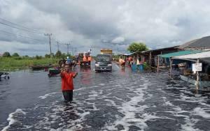 Bupati Kotawaringin Barat Terbitkan Surat Pembatasan Kendaraan Melintas di Kawasan Banjir