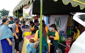 Relawan PMK Kobar Buka Warung Makan Bayar Seikhlasnya