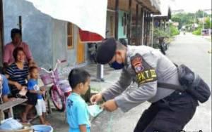 Personel Polsek Kapuas Tengah Kembali Ingatkan Warga Agar Gunakan Masker