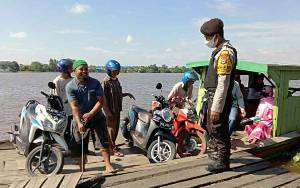 Personel Pulau Petak Patroli ke Feri Penyeberangan