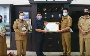 Bupati Barito Utara Terima Piagam Penghargaan Dari BKKBN Provinsi