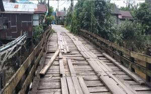 Masyarakat Gunung Mas Harapkan Jembatan Sei Kahat Segera Diperbaiki
